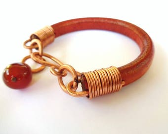 Copper and leather bracelet with carnelian