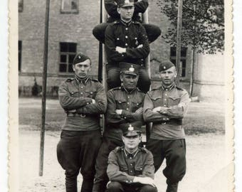 FUNNY unusual military photo, soldiers posing in pyramid, military barracks soldier army uniform officer serviceman vintage photo #2219