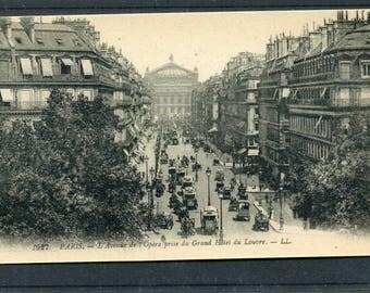 """Postcard"""" Paris"""" L' Avenue de l' Opera prise du Grand Hotel du Louvre Vintage Unused"""