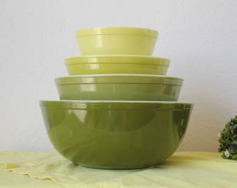 Pyrex Verde set of 4 Mixing Nesting Bowls 401, 402, 403, 404