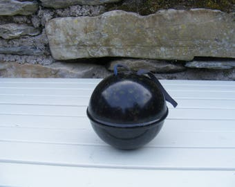 Vintage Bakelite wool/string ball