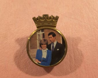 Royal button of early Charles and Diana - vintage 1980's.