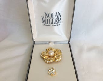 """Nolan Miller Glamour Collection 1994 """"Radiant Interchangeable Flower Pin"""" Gold Tone Flower With Rhinestone or Faux Pearl Center Brooch Pin"""