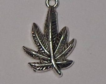 """""""Maple Leaf"""" charm pendant in silver"""