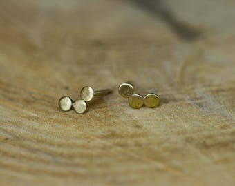 These 3 small circles minimalist Stud Earrings