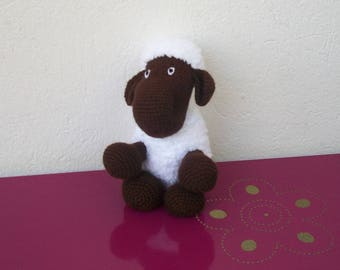 sheep wool Brown and white