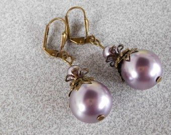 Victorian vintage retro Pearl 14 mm purple Swarovski style earrings