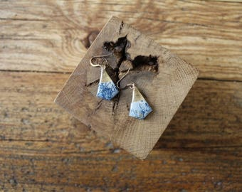 Nice pair of stud earrings resin decorated with gold leaf and paper finish gold filled 14 k