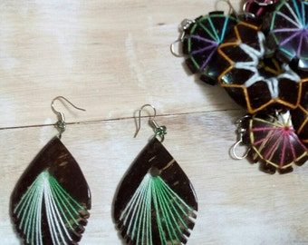 Summer earring, coconut wood.
