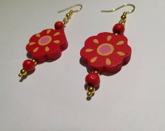 422. Dangling Flower Earrings.