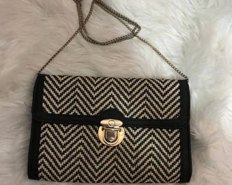 Vintage Black & White Straw Woven Handbag