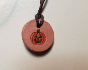 Halloween Jack-o-Lantern Aromatherapy Pendant for Essential Oils w/ 1/4 Dram Oil Sample