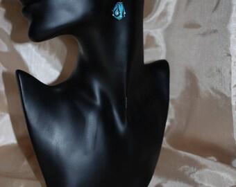 Drop earrings black and blue.