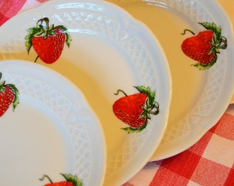 Lourioux Strawberry Les Fraises Dessert Plates Set of 4