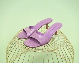 Lovely vintage Banana Republic lavender crocodile style leather mule heels