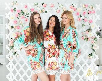 Set of 4 Bridesmaid Robes / Robe / Bridal Robe  / Bridal Party Robes / Bridesmaid Gifs / Satin Floral Robe / Lace Robe / Kimono Robe