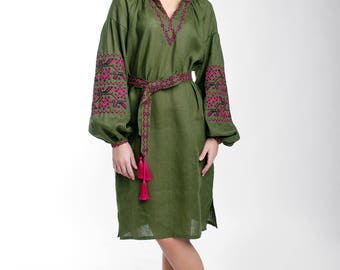 Green linen dress in Chik boho style with geometry Ukrainian embroidedry / clothing gift