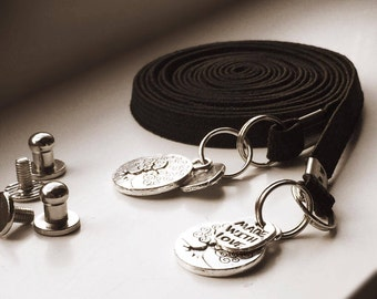Lacets élastiques noirs.