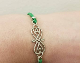 Celtic braided bracelet with magnetic closure