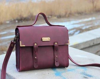 Leather messenger/messenger bag women/shoulder bag/leather briefcase/small messenger bag/handmade bag/gift for her/genuine leather/stylish