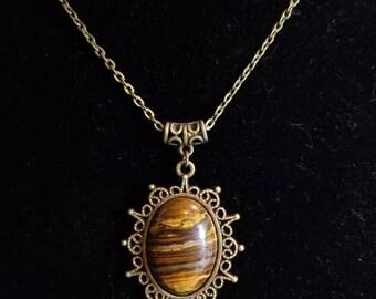 "18"" Tigers Eye cabochon necklace"