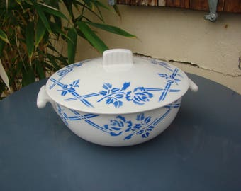 FRANCE ORCERAME - Earthenware tureen - Saint Amand, Moulin des loups, french antique, Vintage french ceramic, Made in France