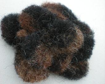 Flower Brown Black Fluffy woll animal 5 cm aw07