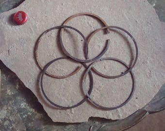 Rusty Metal Circle Shaped Pieces Round Piston Rings Found Objects for Assemblage Altered Art - Industrial Salvage