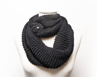 Black Infinity Scarf / Chunky Knit Scarf / Knitted Shawl / Loop Scarf / Extra Long Scarf / Cowl Scarf - Black wool yarn with flower button