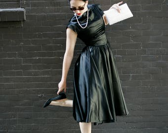 Vintage 1950s Dress - Satin Black Holiday Cocktail Party Chic Dress - Sleek Full Circle Skirt - Peter Pan Collar - Small