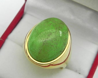 AAAA Gaspeite 20x16mm 14K yellow gold Signet ring 20-22 grams.  0601