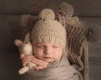Newborn Photo Prop Boy, Newborn Hat Boy, Newborn Blanket Prop, Newborn Pom Pom Hat, Pom Pom Blanket Baby, Newborn Photo Prop Blanket