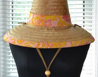 Vintage 60s Sun Hat - Retro Cone Shape - Woven Straw Hat - Tiki Style - m