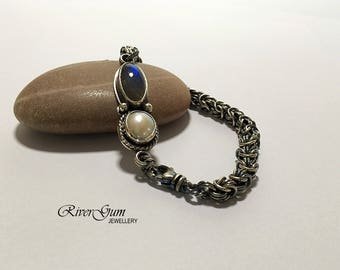 Silver Chainmaille Bracelet,  Labradorite & Pearl Barcelet, Argentium Silver Chain Maille Bracelet, Rosetta Weave
