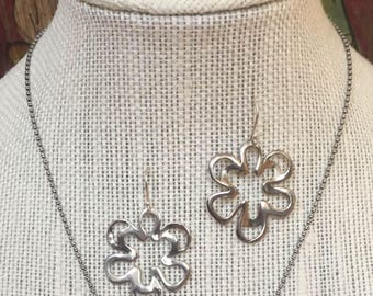 90s Flower Power Earrings Retired Silpada Modern Artisan Design Curvaceous Abstract Petals Hallmark 925