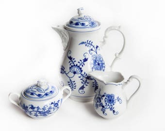 Original Bohemia Zwiebelmuster Coffee Pot w/ Sugar & Creamer ~ Blue Onion ~ Vintage Czech Porcelain