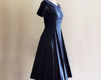 1950's Maggi Stover Cotton Navy Shelf Bust Party Dress // Cotton Pin Up Dress // Rockabilly Dress // Size Small