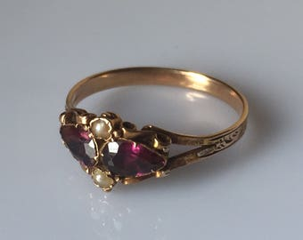 Antique Victorian 15ct gold almandine garnet and pearl ring with closed back setting and engraved band c.1880