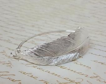 Feather Bracelet, Bangle Bracelet, Silver Feather Bangle Bracelet, Silver Bracelet, Silver Bangle, Bridesmaid Bracelet, Bridesmaid Jewelry