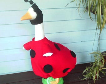 GOOSE CLOTHING -- Ladybug - Red and Black felt - Plastic or Cement Lawn Goose Clothing
