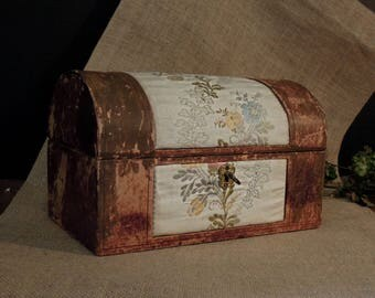 Vintage Italian Leather Fabric Wood Jewelry Box / Velvet Interior /  Trinket Box / Leather Box / Skeleton Key Lock / Made in Italy