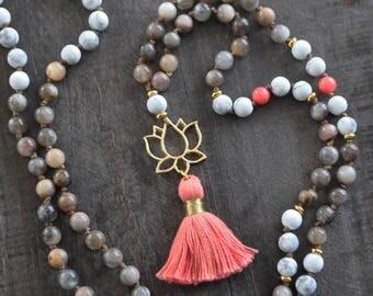 Collier corail - Mala - Pierres naturelles - Collier à pompon - Mala yoga - Bijou de méditation - Coco Matcha
