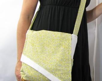 Pretty Flowers Feedack Fabric Messenger Bag