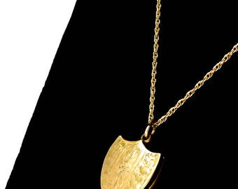 Vintage Locket Pendant Necklace with Great Detailing