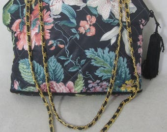SAKS FIFTH AVENUE vintage quilted flower shoulder handbag gold chain straps