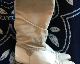 80's Dingo Ivory leather and suede boots size 7.5.