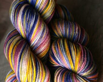 """Sock yarn - 100% SW Merino - Autocorrect - """"Just Pooping Out"""""""