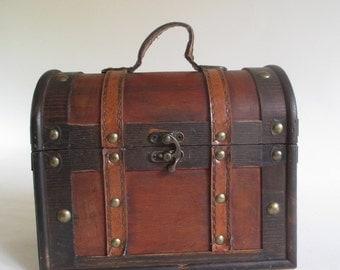 Mini Chest, Vintage Pirate Treasure Camel Dome Top Trunk Box Handbag Decorative Storage Display