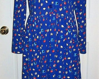 Vintage Ladies Blue Cherry Lemonade Apple Fruit Punch Print Dress by Fads Medium Only 10 USD