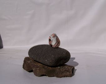 Pebble people, old man and a child, painted rock, fairy garden miniatures, fairy garden, animals, dolls & miniatures earthspalette